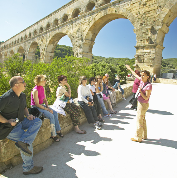 LiveTours at an aquaduct in France